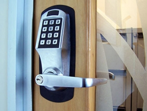 Commercial Locksmith Services by bestlocksmith.ca