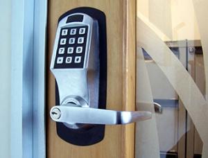 Commercial Locksmith Services by bestlocksmith.ca